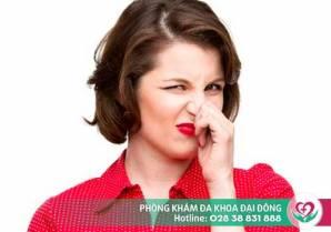 Sau khi quan hệ vùng kín có mùi hôi tanh là bệnh gì?